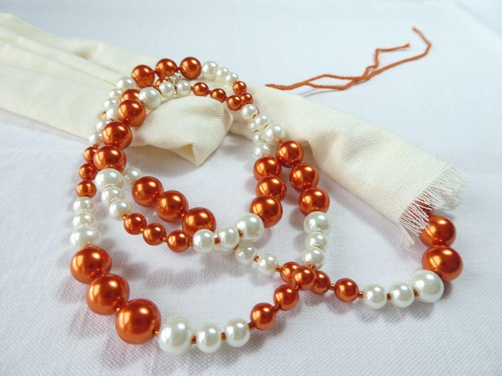 La gaine de tissu en coton protégeant les colliers Pamalussi.