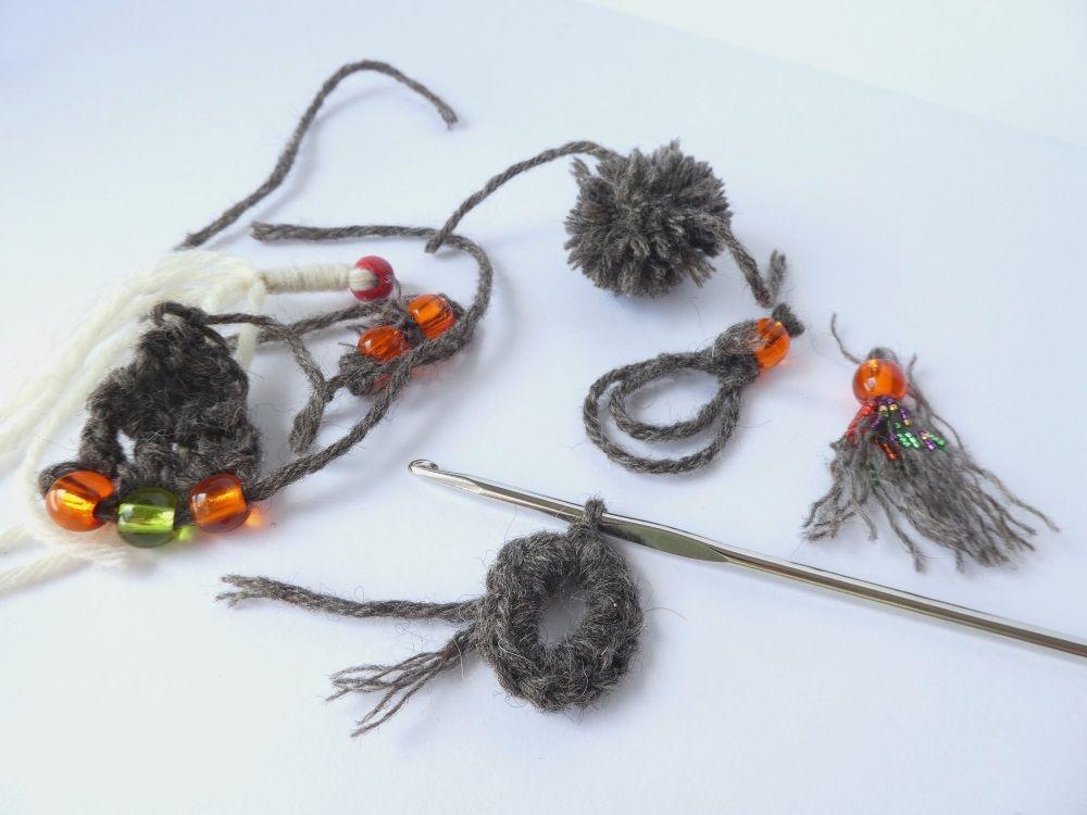 Plusieurs piste pour créer un bijou avec le fil de chez Laines à l'ouest.