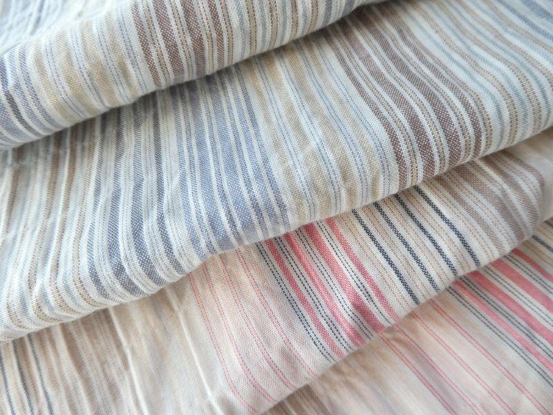 Le tissu à rayures de chez Lepaisant pour les écharpes.