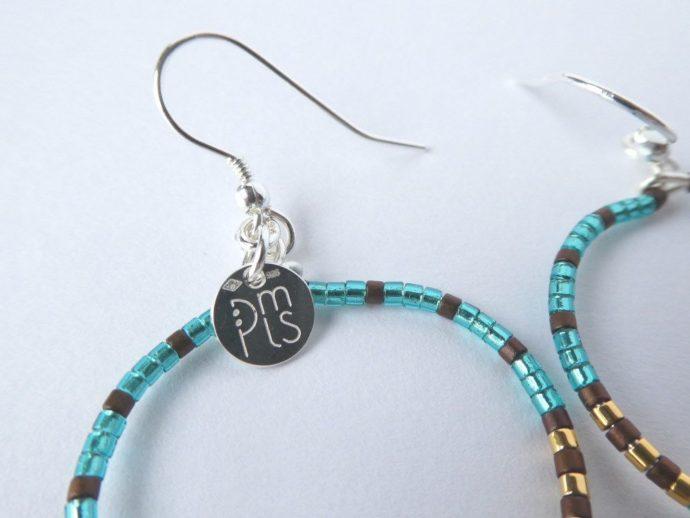 Le crochet d'oreilles en argent 925 des boucles d'oreilles bleu sarcelle.