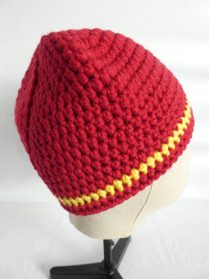 Le bonnet rouge Maranello crocheté à la main.