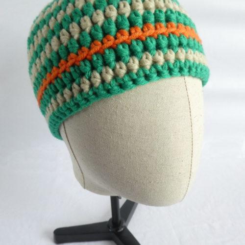 Le bonnet vert et beige en laine Barfleur.