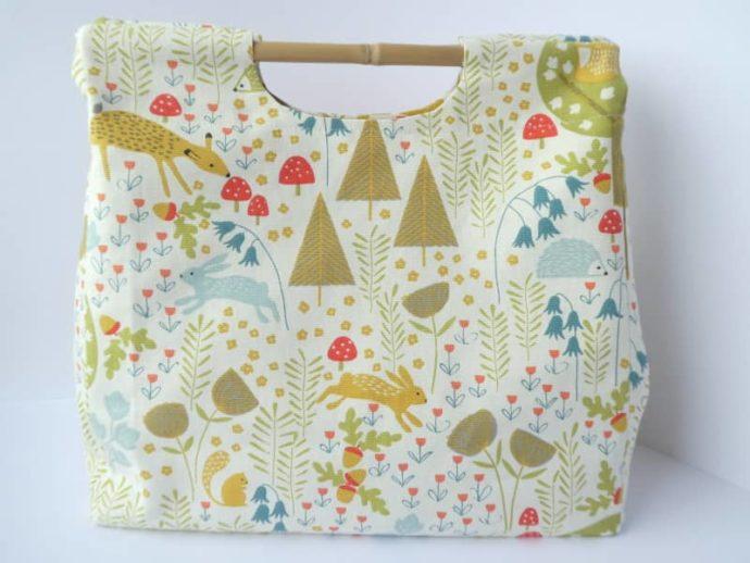 Le joli imprimé forêt du sac Ouson.
